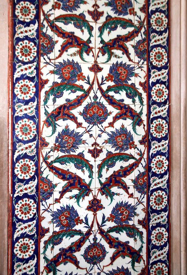 伊兹尼克从塞利米耶清真寺,爱迪尔内,土耳其墙壁的瓦片细节  免版税库存图片