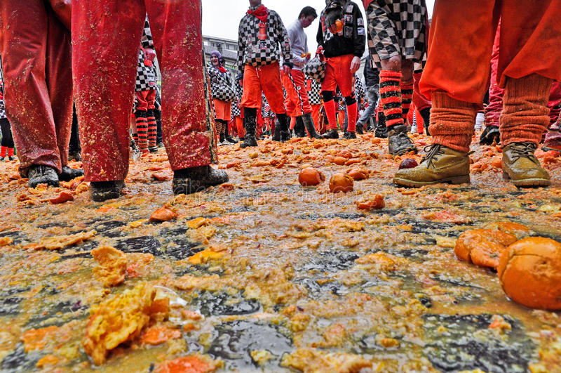 伊夫雷亚狂欢节。桔子争斗。 免版税图库摄影