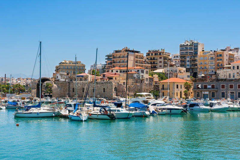 伊拉克利翁港口。克利特,希腊 免版税图库摄影