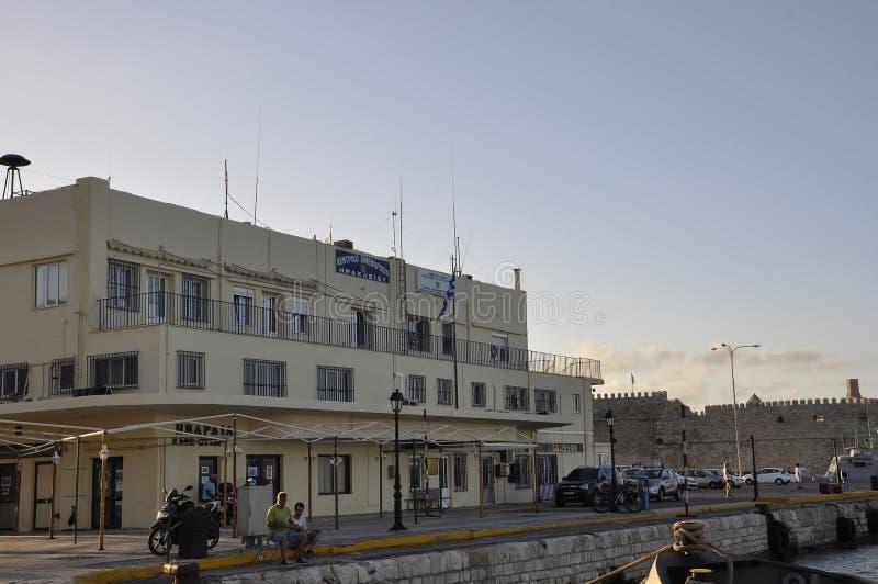 伊拉克利翁,9月5日:从克利特海岛的伊拉克利翁首都的港务局大厦在希腊 库存图片