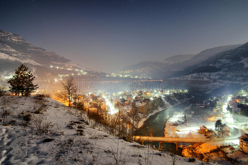 伊斯克尔河峡谷在Tserovo,保加利亚-夜视图附近的 免版税库存照片