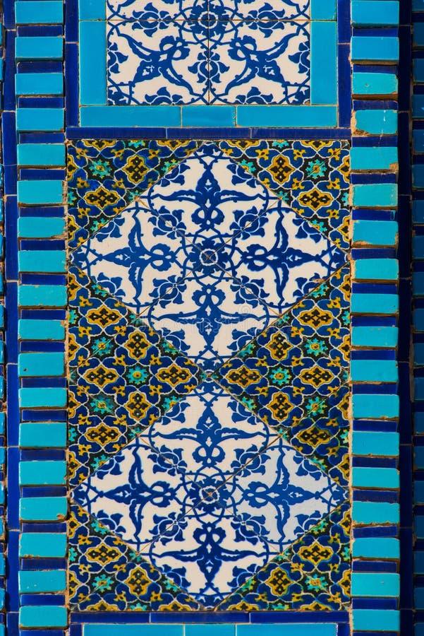 伊斯兰教的样式,在清真寺的瓦片马赛克 库存照片