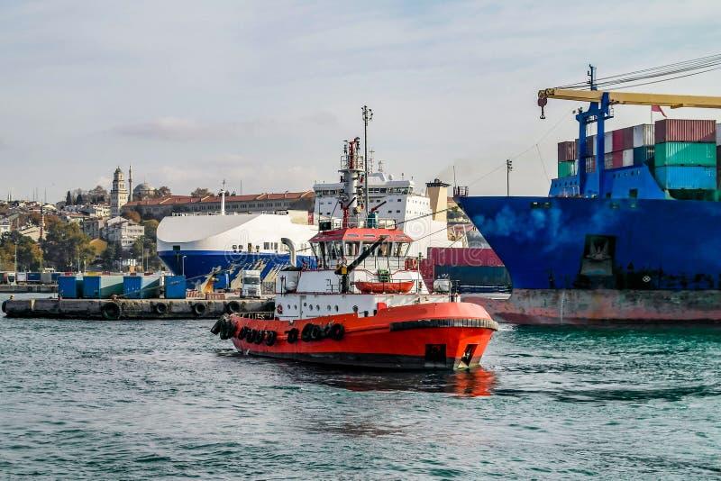 伊斯坦布尔火小船 库存照片