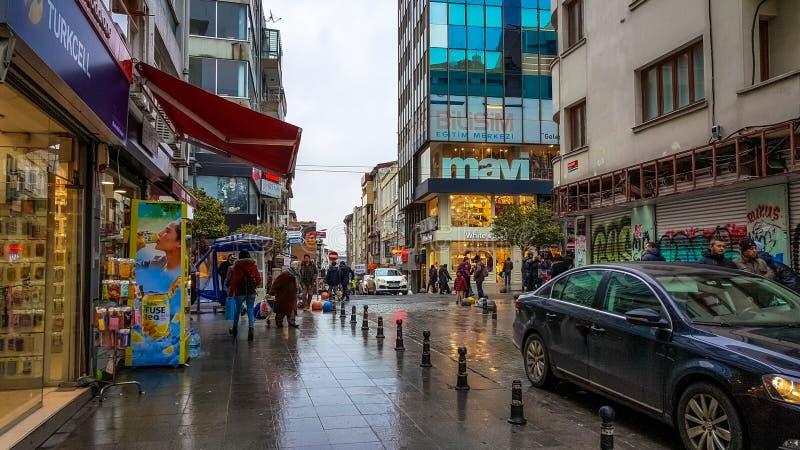 伊斯坦布尔,土耳其- 2016年12月24日:Kadikoy街道全视图  免版税库存照片