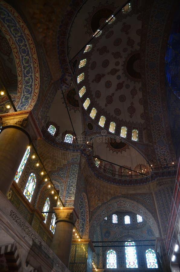 伊斯坦布尔,土耳其-, 10 2018年:蓝色清真寺伊斯坦布尔美好的extrodinary内部, 免版税库存图片