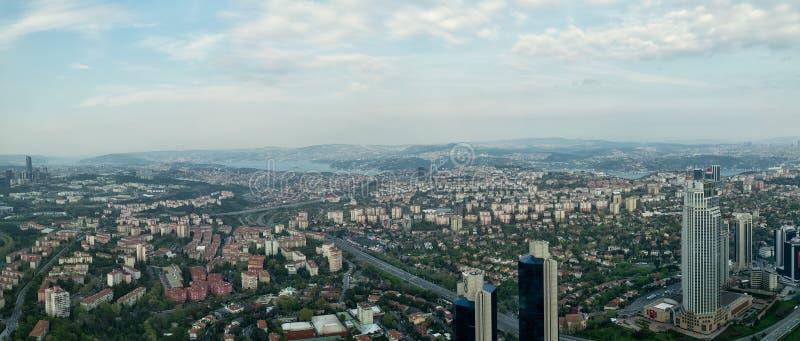 伊斯坦布尔从伊斯坦布尔青玉摩天大楼在日落前,伊斯坦布尔,土耳其的市视图 库存照片