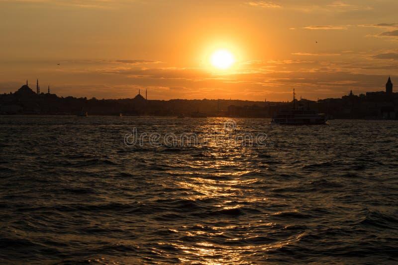 伊斯坦布尔Bosphorus看法从伊斯坦布尔土耳其Kadikoy区的  库存照片