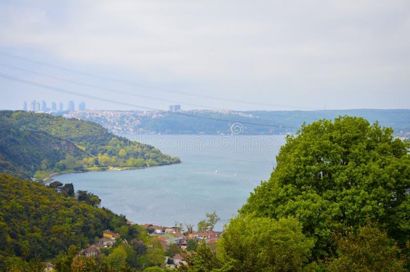 伊斯坦布尔Bosphorus,交错与自然 库存照片