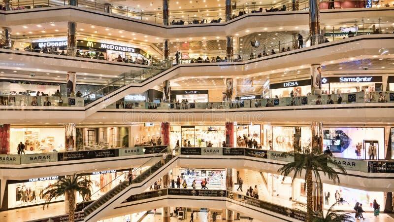伊斯坦布尔Cevahir购物和娱乐中心 库存图片
