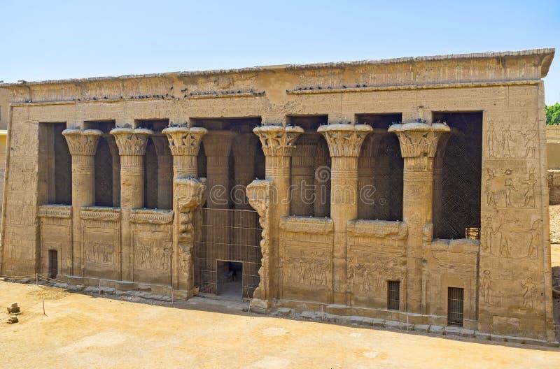 伊斯纳寺庙  免版税库存照片