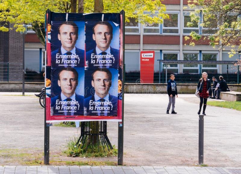 伊曼纽尔Macron海报在campaing在法语Scho附近的竞选时 免版税库存照片