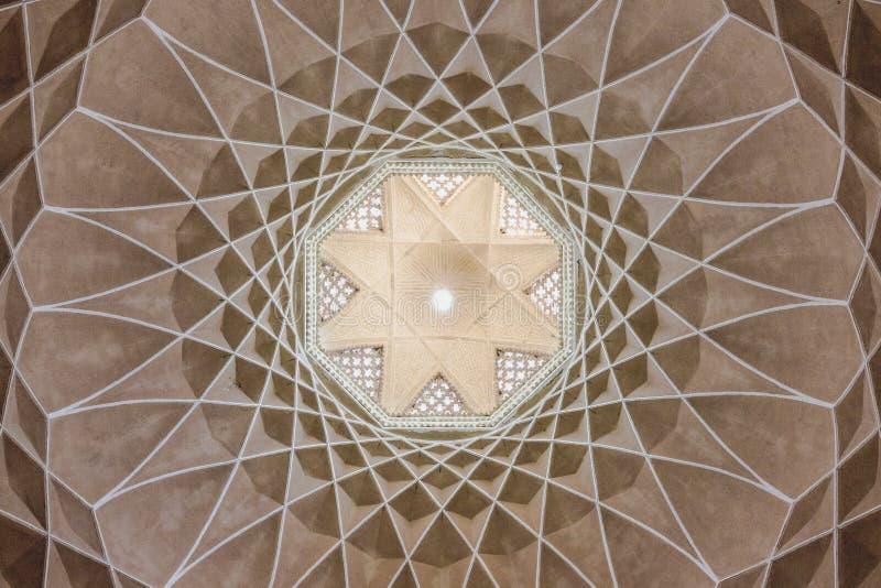 伊朗庭院pavillon装饰天花板  库存图片
