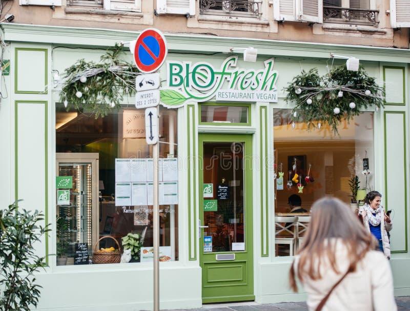 Download 伊根以绿色绘的餐馆门面 编辑类库存图片. 图片 包括有 饮食, 饮料, 背包, 问题的, 外部, 会议室 - 72357299