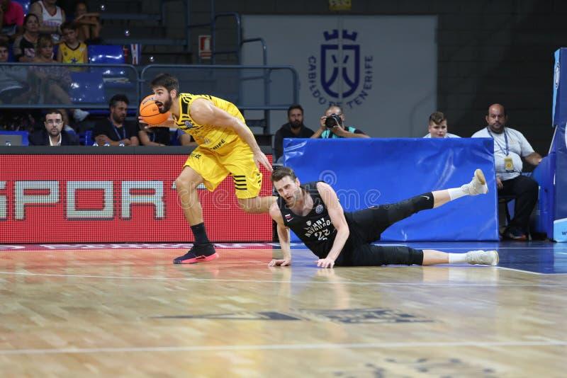伊比利亚明星特内里费篮球冠军联赛下诺夫哥拉德 免版税库存照片