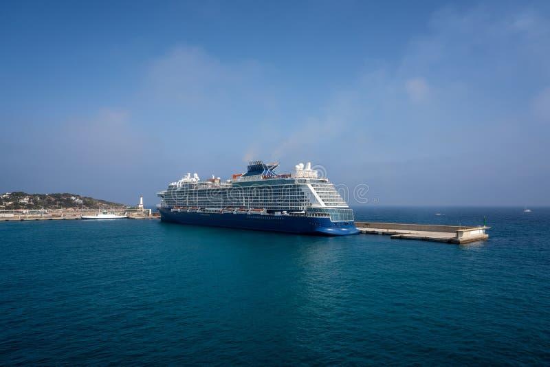 伊维萨岛Eivissa从海的口岸视图 免版税库存图片