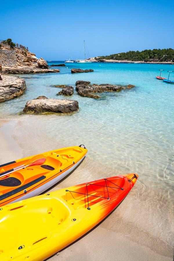 伊维萨岛Portinatx阿雷纳尔小的海滩在Balearics 免版税图库摄影