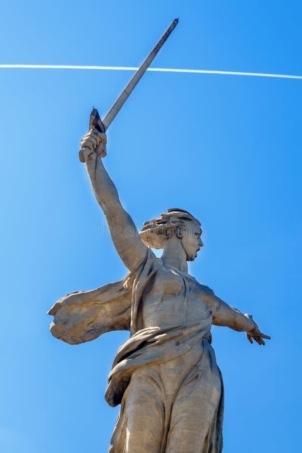 伏尔加格勒,俄罗斯- 2019年6月01日:祖国马马耶夫库尔干州的雕象 库存照片