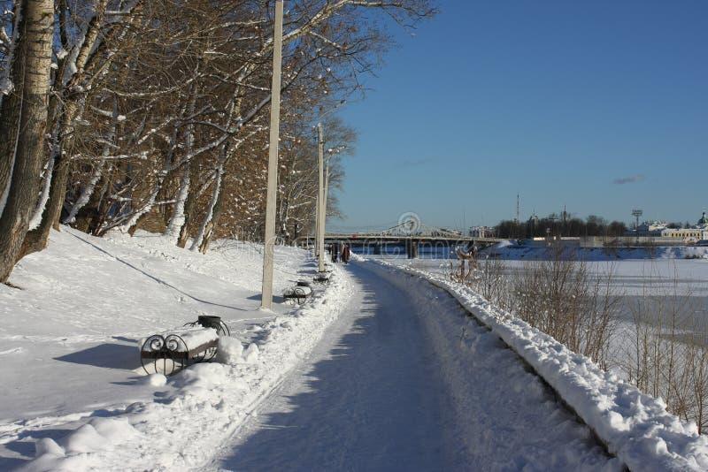 伏尔加河的堤防在市特维尔 库存图片
