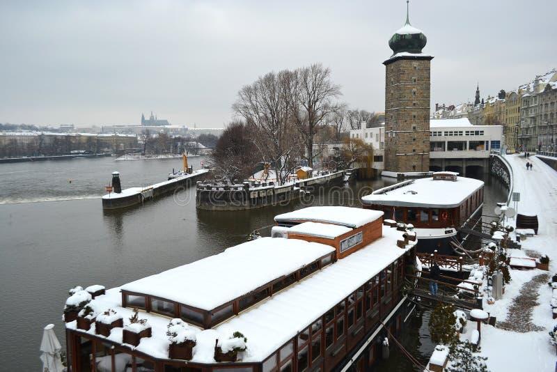 伏尔塔瓦河河的看法在布拉格 库存图片