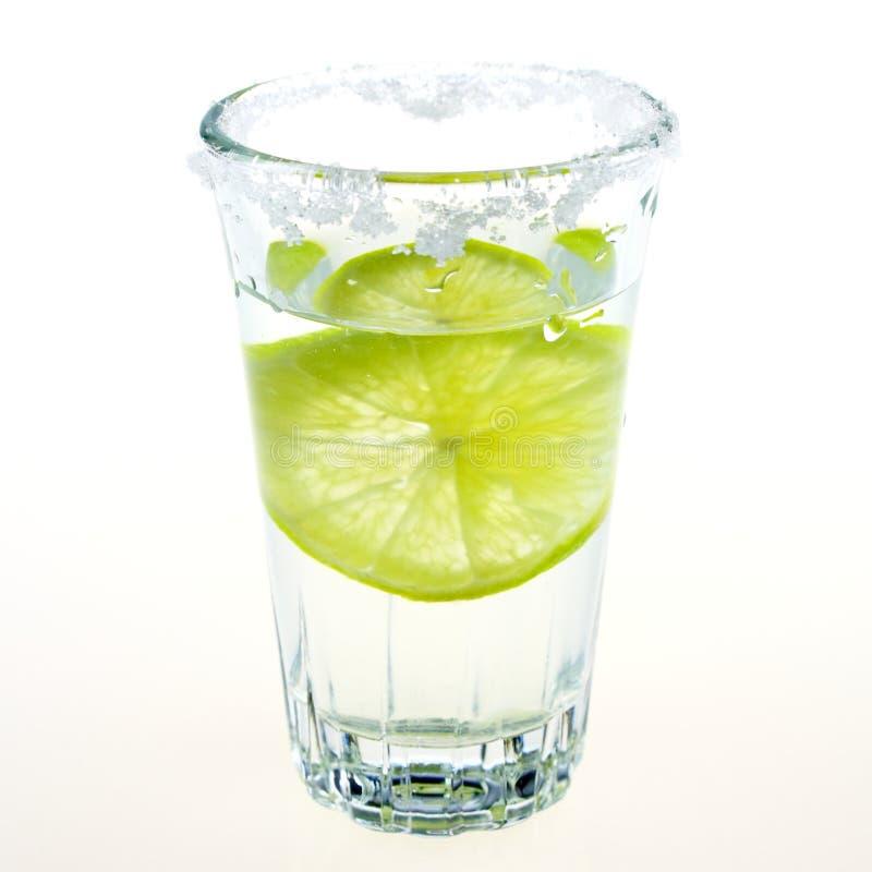 伏特加酒玻璃、柠檬和盐 库存照片