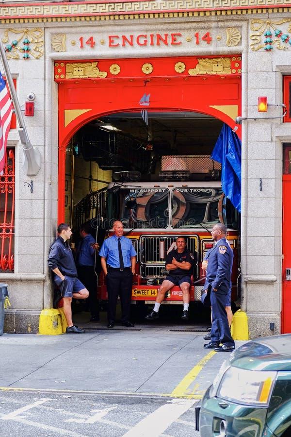 休假的消防队员 库存图片