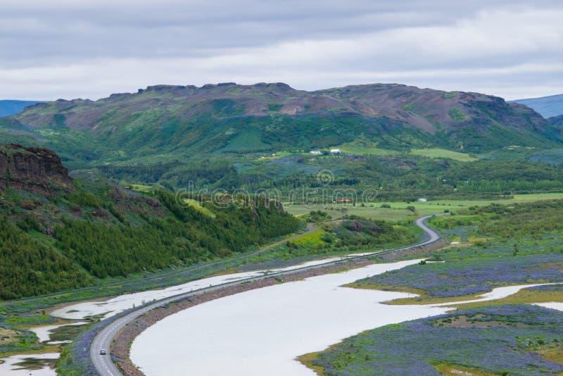 休息沿环行路的中止,冰岛 图库摄影
