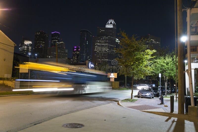 休斯敦在晚上在街市 免版税库存图片