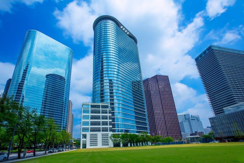 休斯敦街市摩天大楼disctict蓝天镜子 免版税库存图片