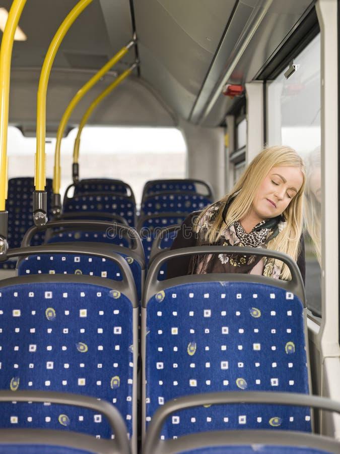 休眠在公共汽车 免版税库存照片