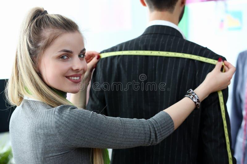 优等的衣裳设计裁缝技巧概念 库存图片