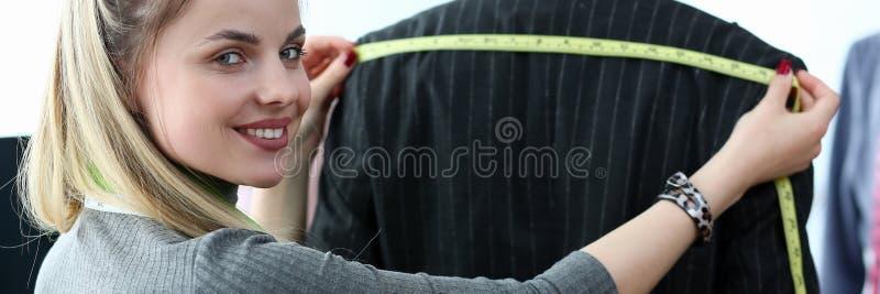优等的衣裳设计裁缝技巧概念 免版税库存照片