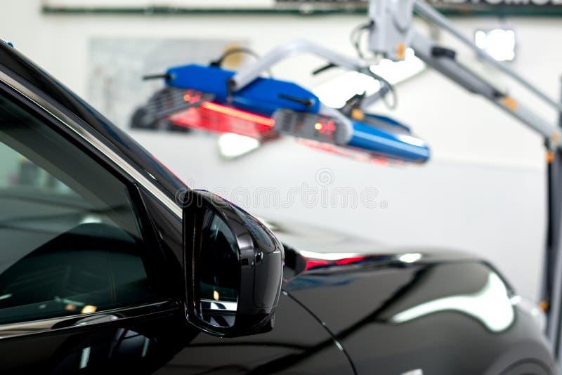 优美的黑汽车 免版税库存图片