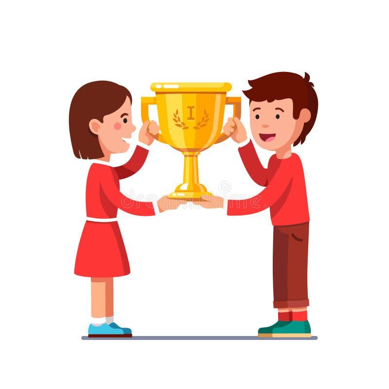 优胜者哄骗男孩,拿着冠军奖杯的女孩 库存例证