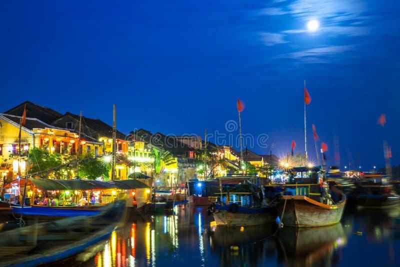 会安市古镇在晚上,越南 免版税库存图片