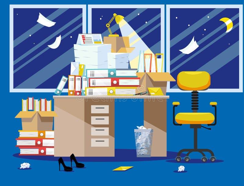 会计和金融家报告提议的Nitht期间 堆纸张文件和文件夹在纸板箱 免版税库存图片