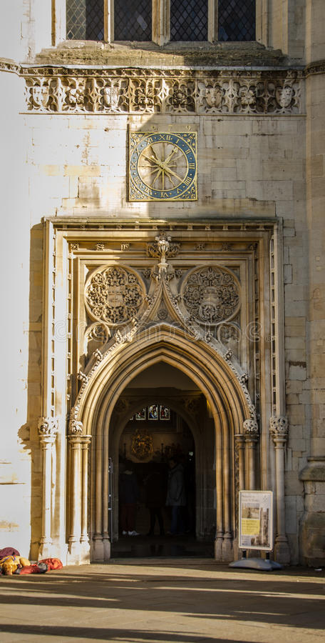 伟大的圣玛丽的教会门 免版税库存图片
