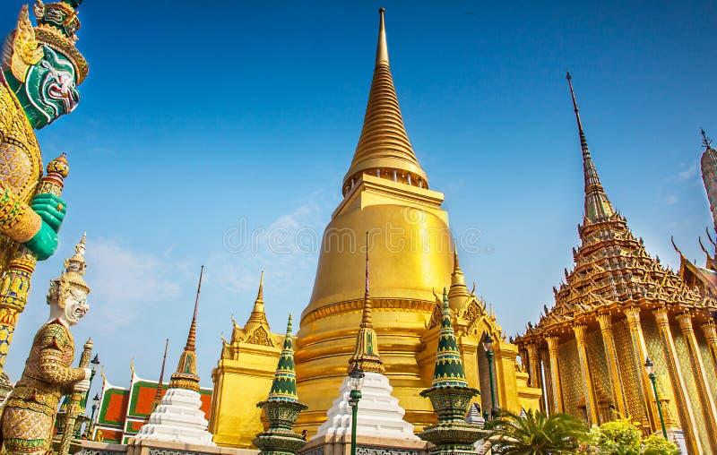 伟大的宫殿在曼谷 免版税库存照片