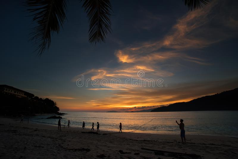 伟大的日落海滩,酸值Lipe海岛-泰国 免版税图库摄影