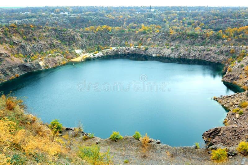 伟大的氡气蓝色湖 免版税库存照片