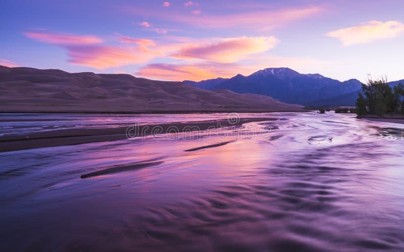 伟大的沙丘国家公园在天,科罗拉多,美国 免版税库存照片