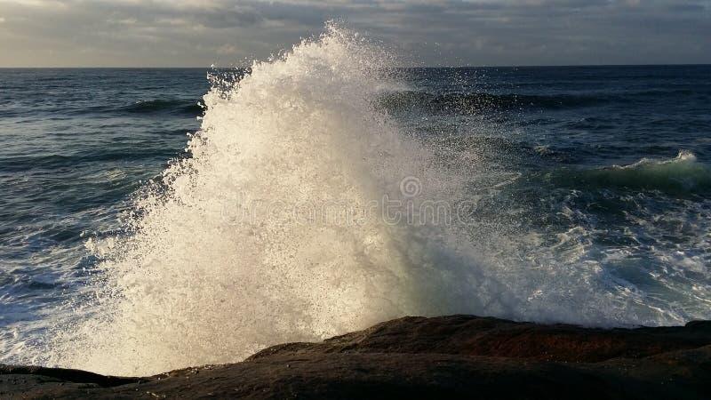 伟大的波浪飞溅 免版税图库摄影