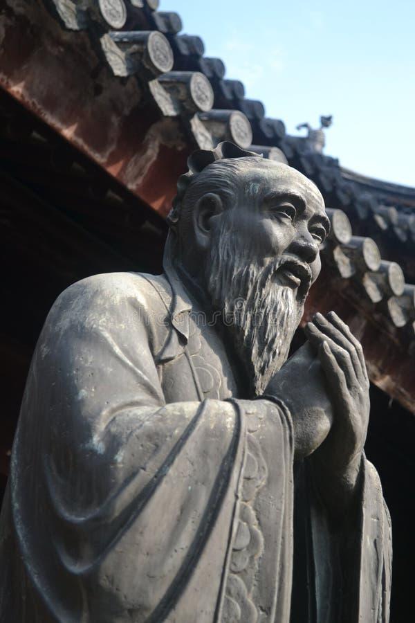 传奇孔子的雕象在上海,中国 库存照片