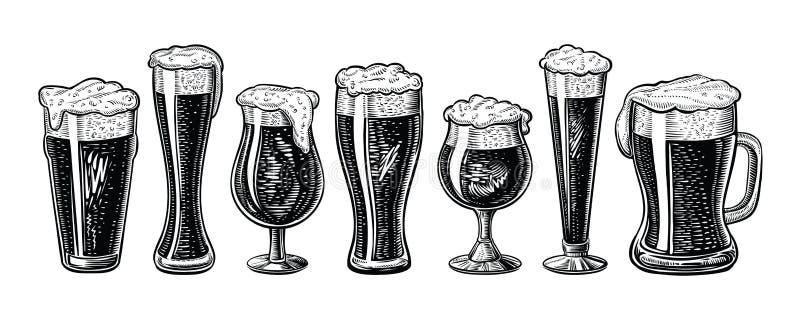 传染媒介啤酒杯和杯子 手拉的被刻记的葡萄酒样式 皇族释放例证