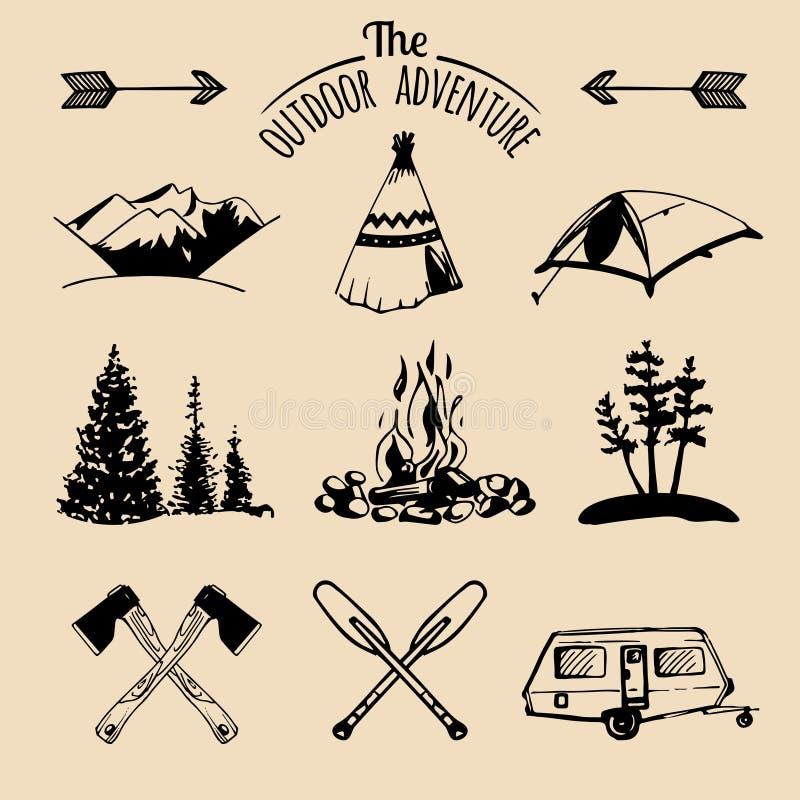 传染媒介套葡萄酒野营的商标元素 室外冒险的减速火箭的标志 象征或徽章的旅游剪影 库存例证