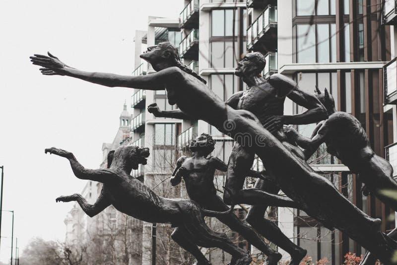 传神雕塑在伦敦 免版税库存照片