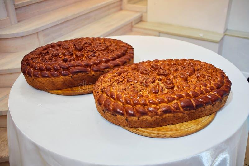 传统与花的婚礼乌克兰面包Korovai 免版税库存图片