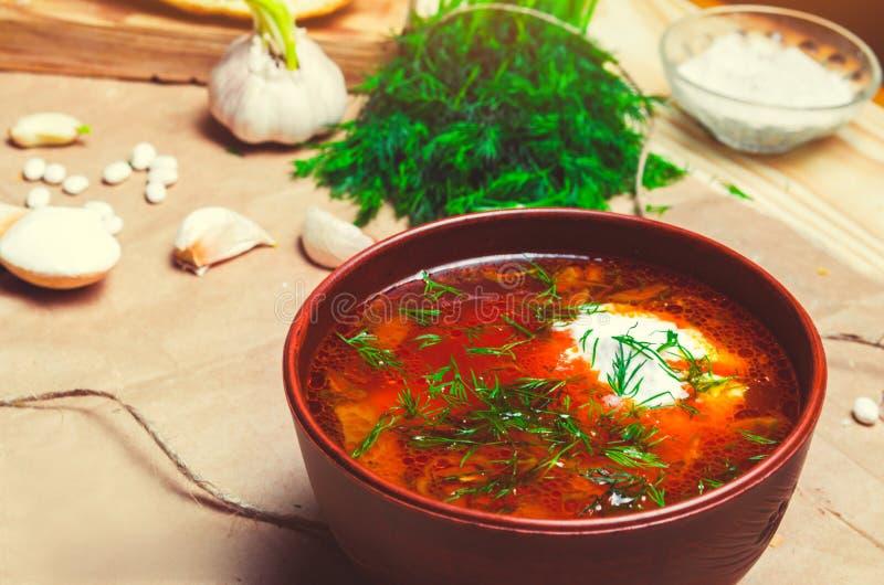 传统乌克兰罗宋汤,红色甜菜汤,博尔希用甜菜, 免版税库存图片