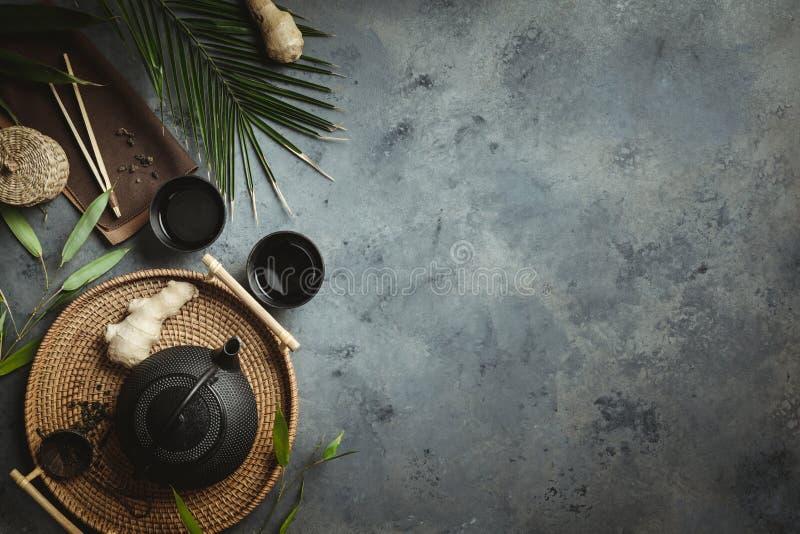 传统亚洲茶道安排,平的位置 免版税库存图片