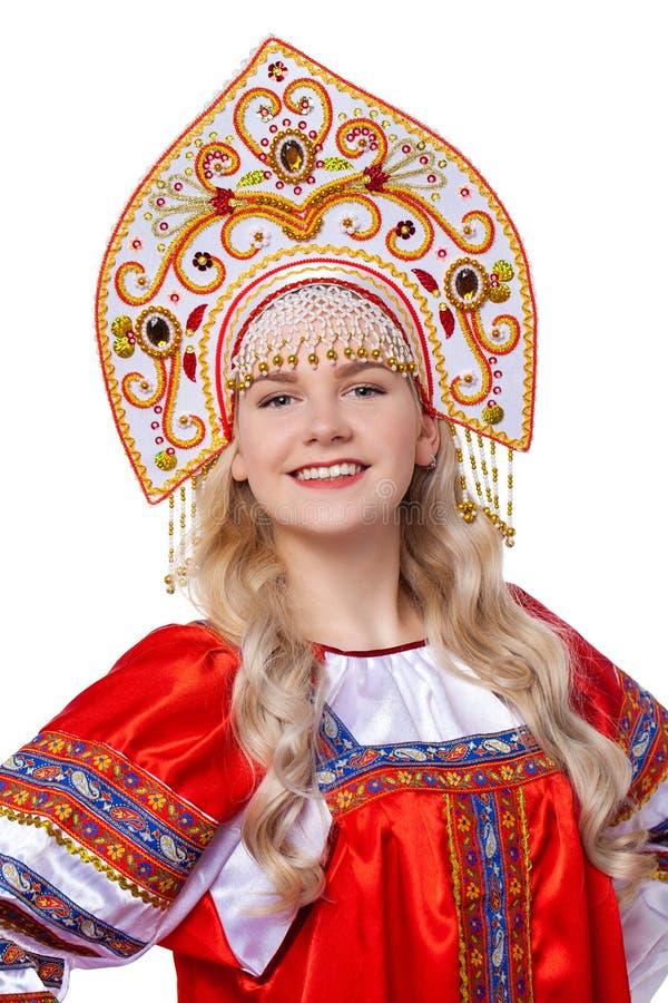 传统俄国民间服装,一年轻美女的画象 免版税库存图片