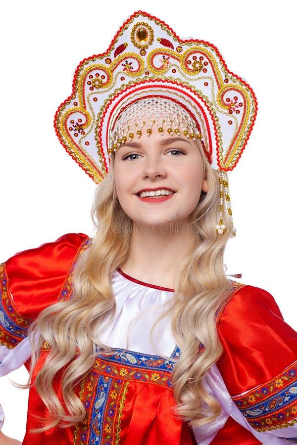 传统俄国民间服装,一年轻美女的画象 免版税图库摄影